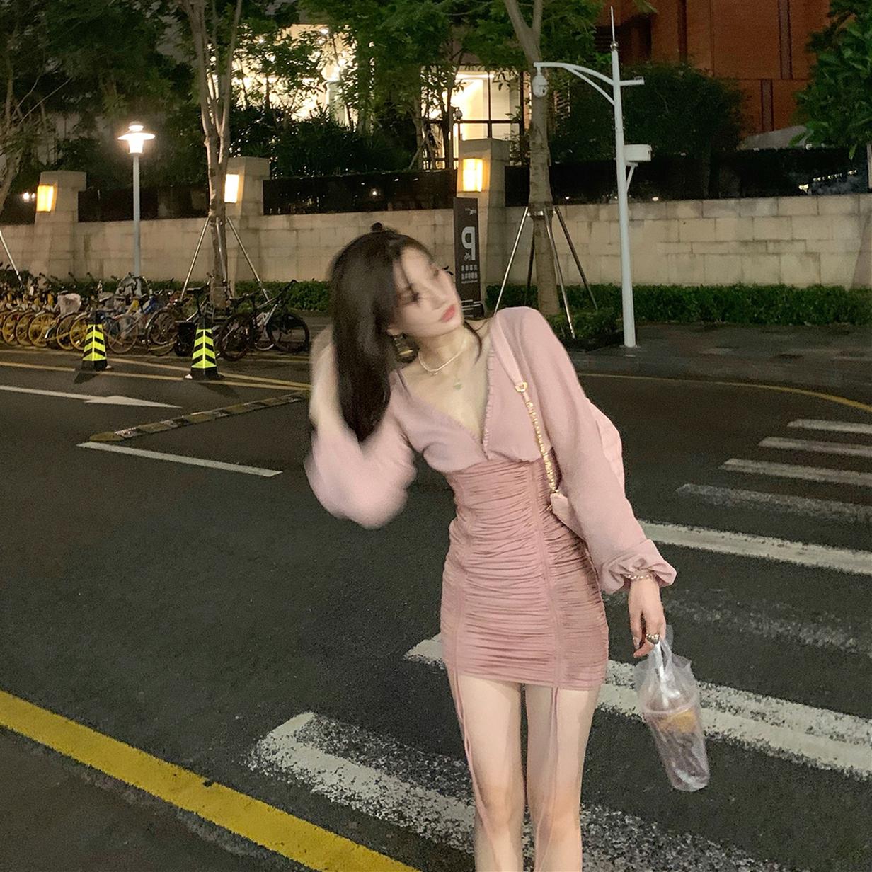 【现货】连衣裙女2020夏季新款性感v领褶皱修身长袖网纱包臀短裙